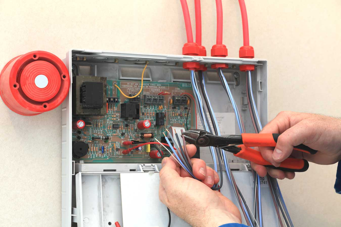 Whether Certificate is issued to those who complete Fire alarm training course in India?