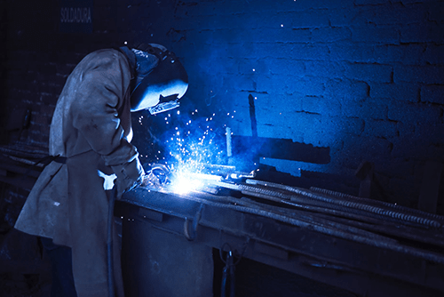 Welding job opportunities in India and abroad: Get a highly paid welding job.
