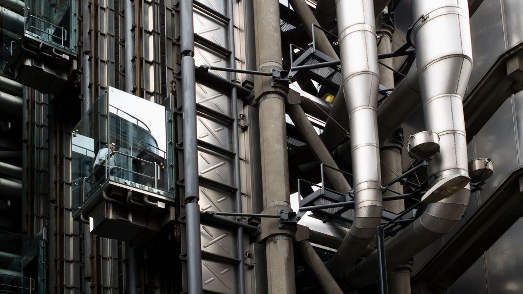 How do Hydraulic Elevators work?
